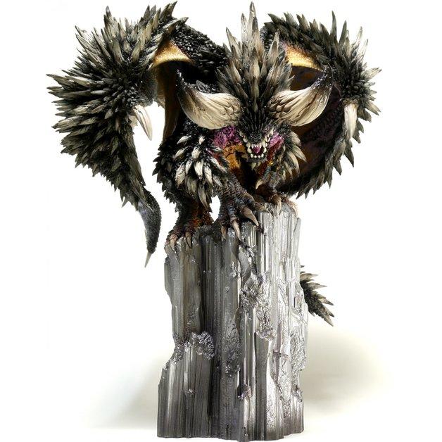 Monster Hunter World: Ruiner Nergigante - PVC Figure