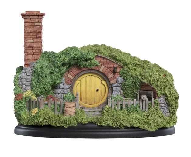 The Hobbit: 16 Bagshot Row - Hobbit Hole Statue