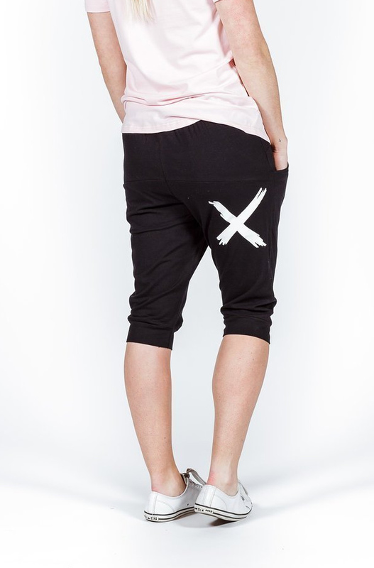 Home-Lee: 3/4 Apartment Pants - Black With White X Print - 8