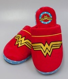 DC Comics: Wonder Woman Slippers - Medium