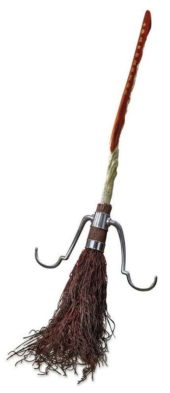 Harry Potter: Prop Replica - Firebolt Broom