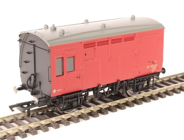 Hornby: BR ex-LMS Horse Box