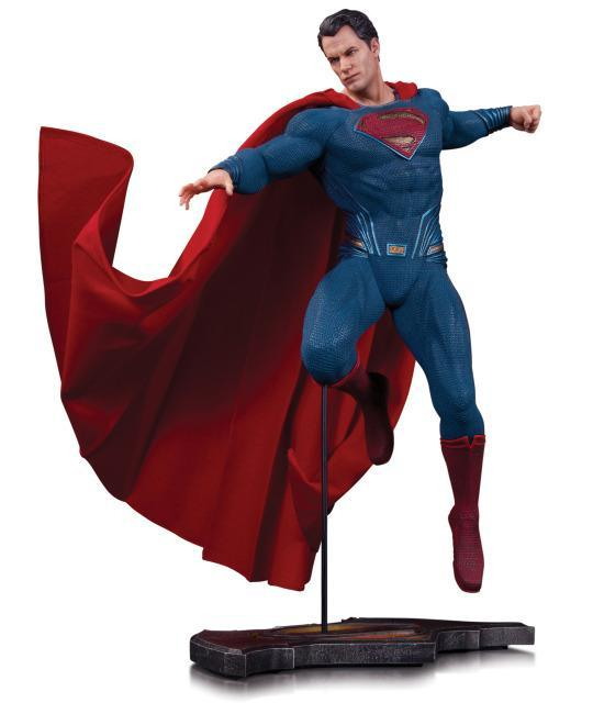 Batman vs Superman - Superman Statue