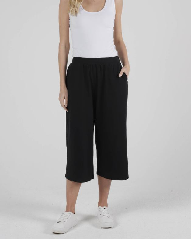 Betty Basics: Palos Crop Pant - Black - (Size 16)