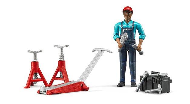 Bruder: Car Garage - Figure Set (Assorted Designs)