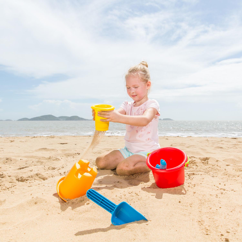 Hape: 5-In-1 Beach Toys - Playset image
