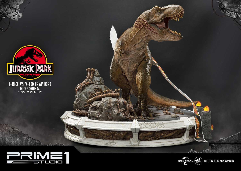 "Jurassic Park: T-Rex vs Velociraptors - 26"" Premium Statue image"