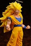 Dragon Ball Z: Son Goku (Super Saiyan 3) Figure