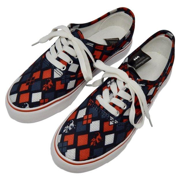 c57069afa7defe DC Comics Harley Quinn Lopro Shoes (Size 9)