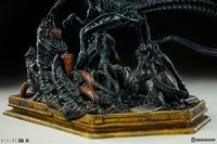 "Aliens: Xenomorph Queen - 19"" Maquette Statue image"