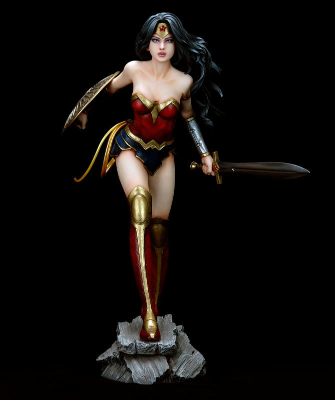 DC Comics: Wonder Woman New Earth PVC 1/6 Fantasy Figure Gallery image
