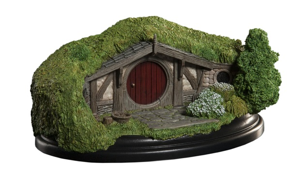 The Hobbit: 40 Bagshot Row - Hobbit Hole Statue