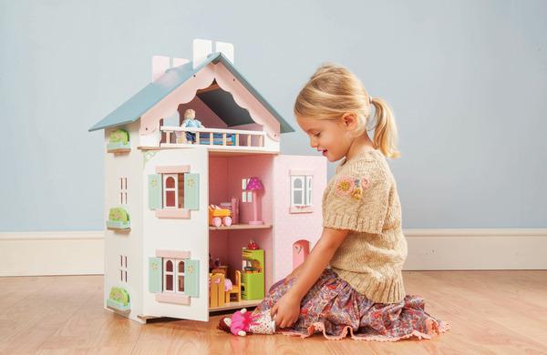 le toy van la maison de juliette doll house toy at mighty ape australia. Black Bedroom Furniture Sets. Home Design Ideas