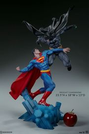 "DC Comics: Batman vs Superman - 23.5"" Premium Diorama image"