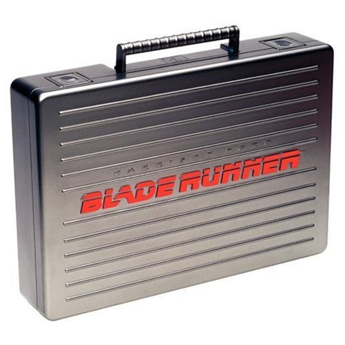 Blade Runner - Ultimate Collector's Edition (5 Disc Briefcase) on DVD image
