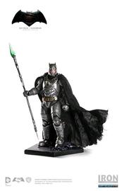 Batman vs Superman: Batman Armoured - Battle Damaged 1:10 Scale Statue
