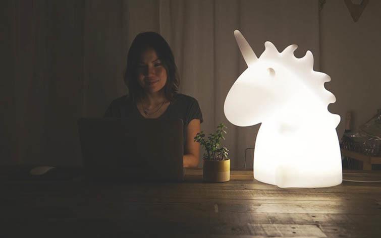 Amazing ... The Giant Unicorn Lamp Image ...