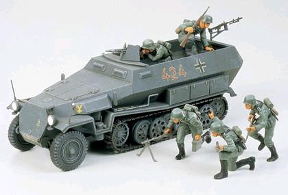 Tamiya German Hanomag Sd.Kfz. 251/1 1:35 Model Kit image