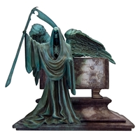 Harry Potter: Riddle Family Tomb Monolith - Replica Statue