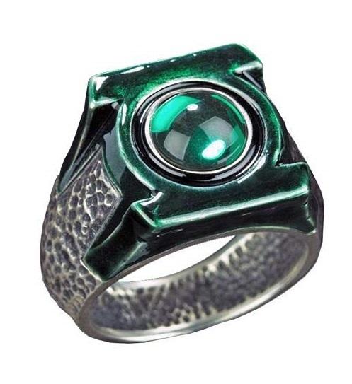 Green Lantern: Hal Jordan's Ring - Prop Ring & Display