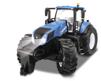 Maisto: 1:16 New Holland R/C Farm Tractor image