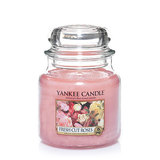 Yankee Candle Medium Jar - Fresh Cut Roses (411g)