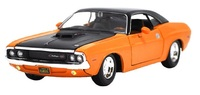 Maisto Design: 1:25 Diecast Vehicle - 1970 Dodge Challenger R/T