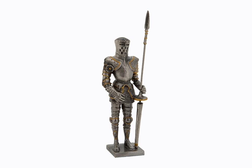 Dal Rossi Medieval Knight Figurine - Terrowin image