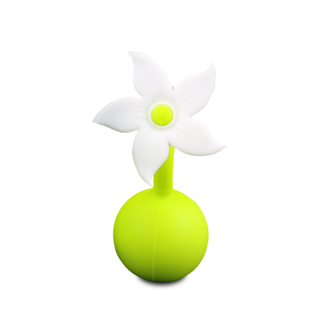 Haakaa: Silicone Breast Pump Flower Stopper Lily - White