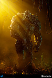 """DC Comics: Swamp Thing - 24"""" Maquette Statue"""