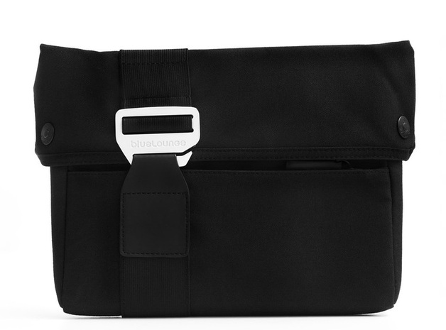 """17"""" Bluelounge Eco-Friendly Sleeve for Macbook Pro"""