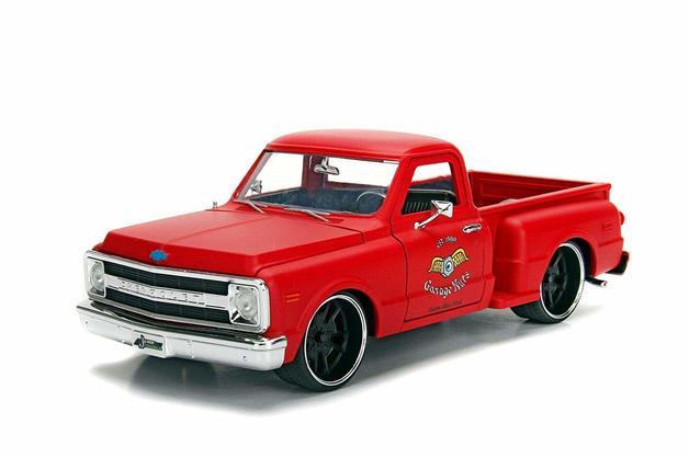 Jada 1/24 '69 Chevy S10 Primer Red - Diecast Model