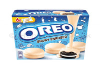 Oreo Snowy Enrobed Chocolate 246g image
