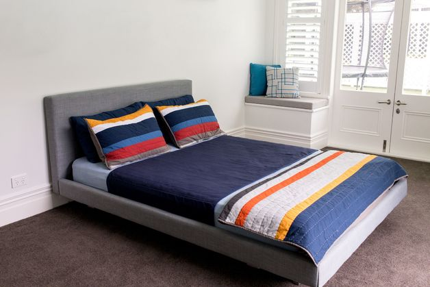 Brolly Sheets: Queen Sheet Bed Pad - Navy