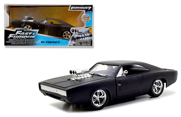 Jada Fast & Furious 7 Dom's 1970 Dodge Charger R/T Matte Black in Window Box 1:24 Diecast Model
