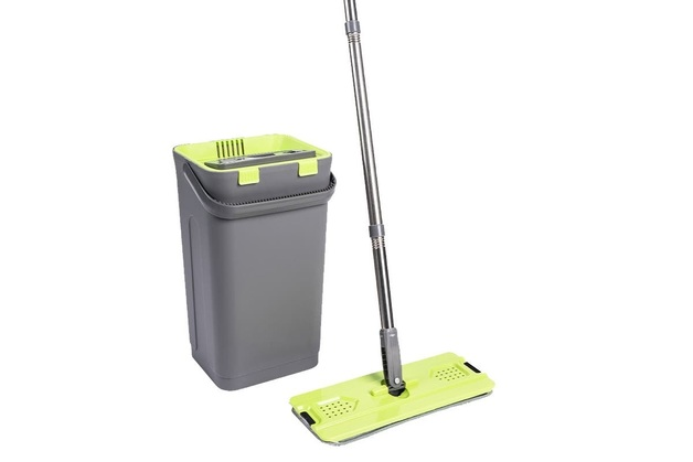 Essentials For You: Easy Squeezy Mop