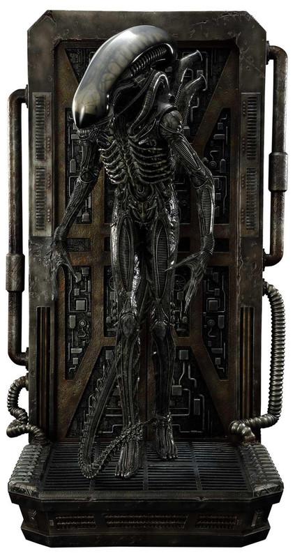 """Alien: Big Chap - 35"""" 3D Wall Art"""