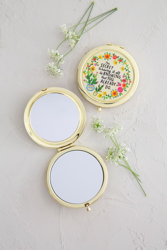 Natural Life: Compact & Mirror - The Secret To Having