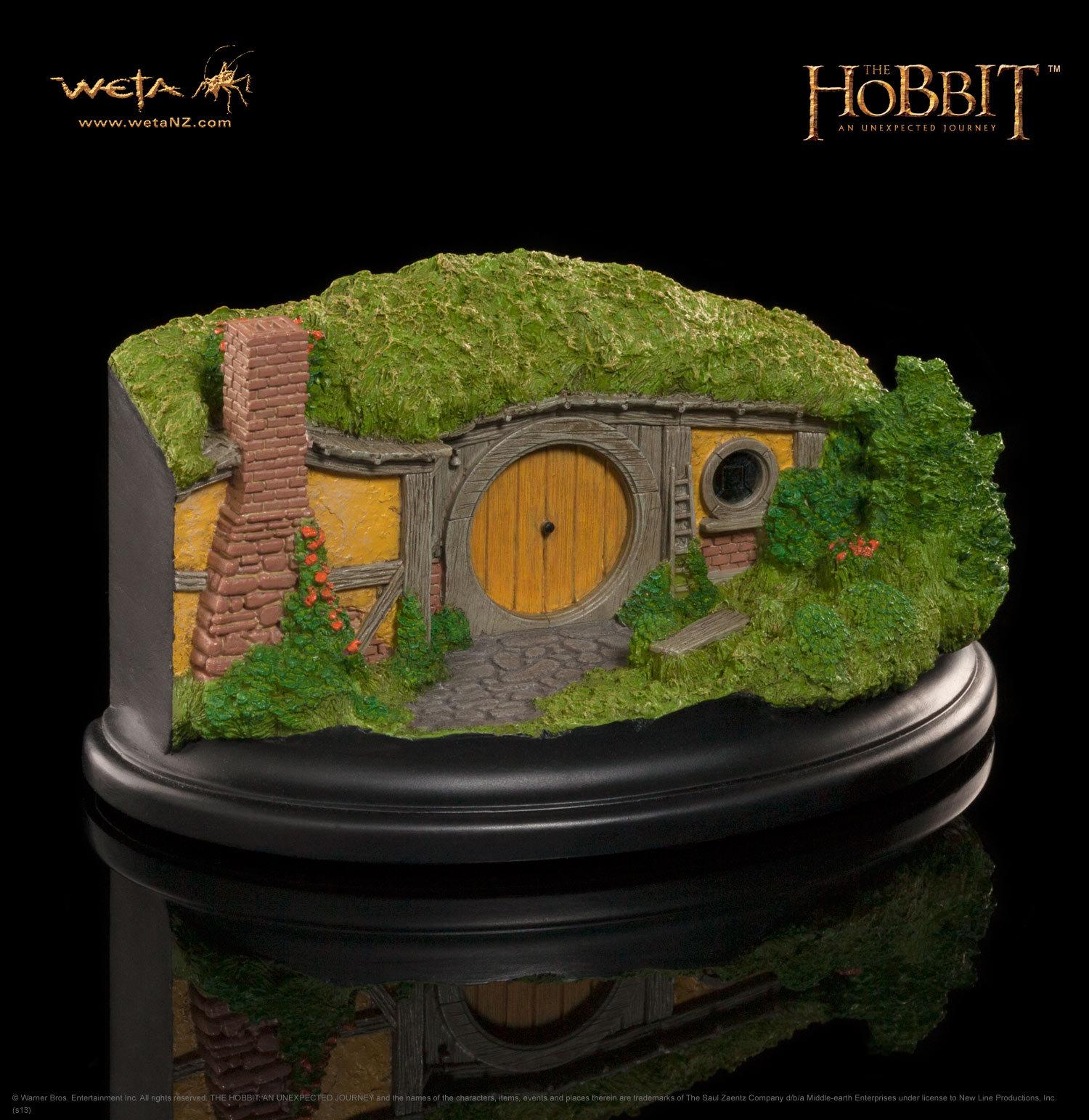The Hobbit 1 Bagshot Row Hobbit Hole Statue - by Weta image
