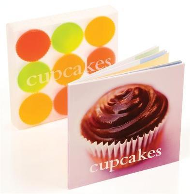 The Cupcakes Kit by Hamlyn image