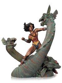 DC Comics: Wonder Woman vs Hydra - Mini Patina Statue