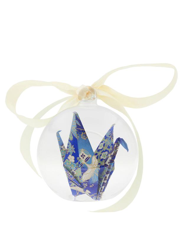 Short Story: Hope in a Box - Diamond Crane Blue