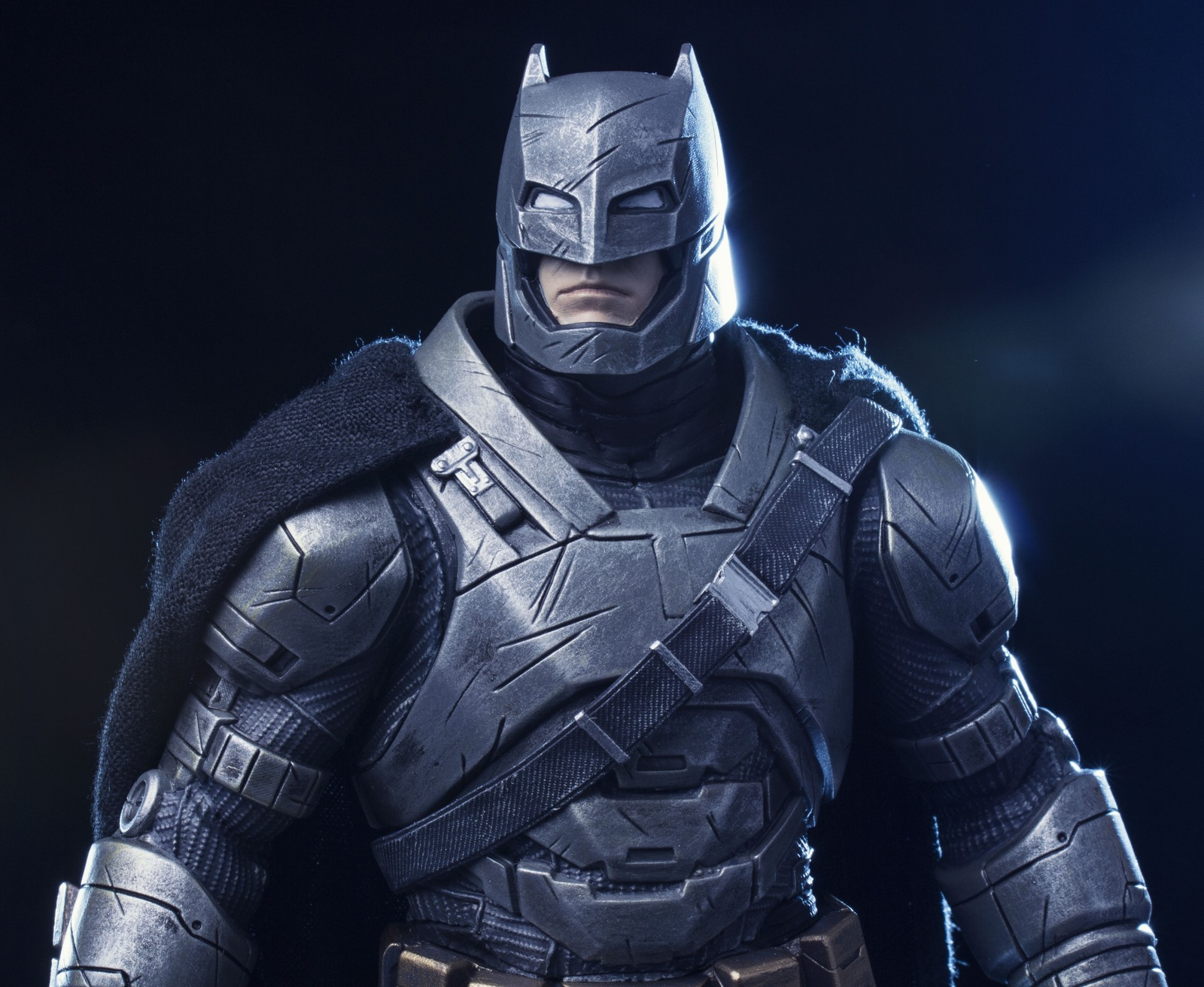 Batman vs Superman - 1:10 Batman (Armoured) Statue image