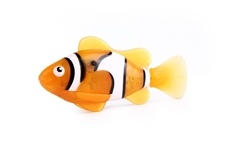 Zuru robo fish orange clown fish toy at mighty ape for Zuru robo fish