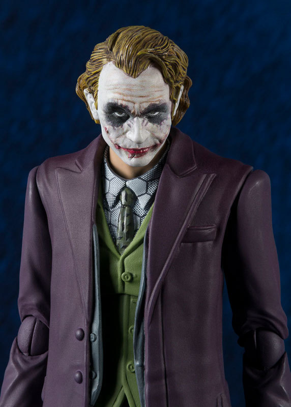 S.H.Figuarts - Joker (The Dark Knight Ver.) Figure