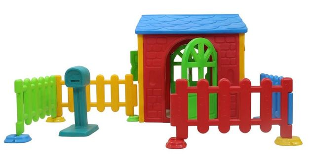 Toddler Playhouse with Picket Fence