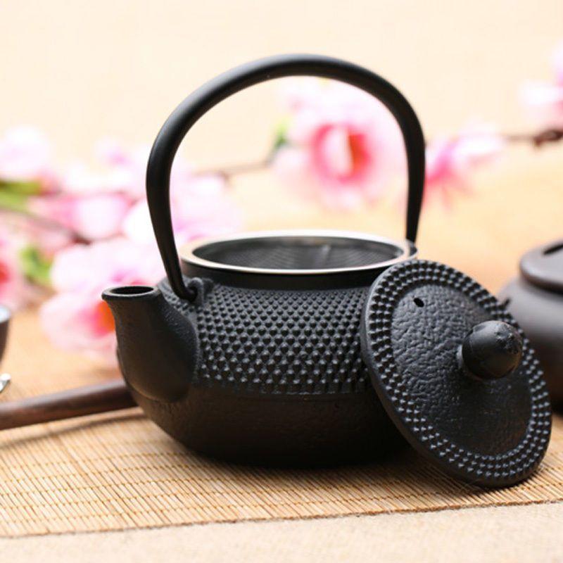 Black Hobnail Cast Iron Teapot (800ml) image