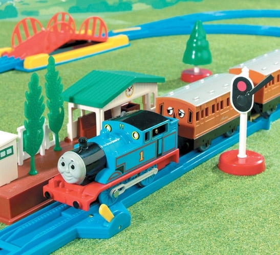 Thomas & Friends: Thomas Medium Set