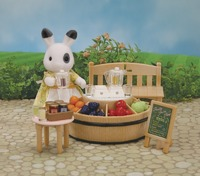 Sylvanian Families: Juice Bar & Figure