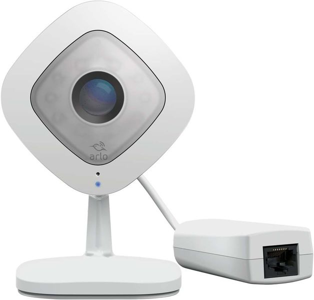 Netgear: VMC3040S ARLO Q Plus - 1080p HD Security Camera with Audio, Ethernet and PoE